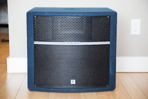 Yorkville PS210P Subwoofer