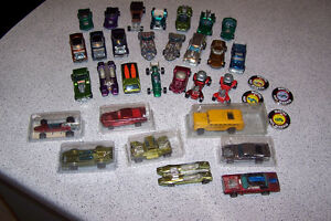 vintage hot wheels red lines lot of 30 cars & 4 pins