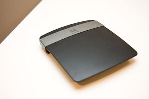 Linksys E2500 Dual Band Wireless-N Router