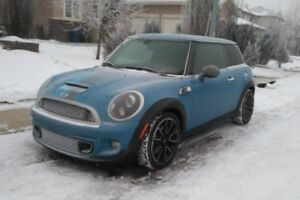 2013 MINI Cooper S Bayswater Edition seeks new winter shelter