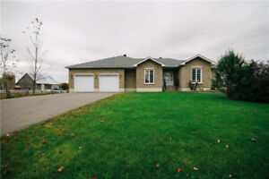 Beautiful 3 bed and 3 bath bungalow!