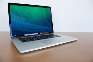 EXCELLENT CONDITION MACBOOK PRO 15 INCHES!!