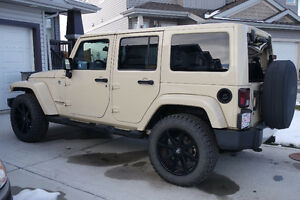 2011 Jeep Wrangler Unlimited Sahara LOW KMS!!!