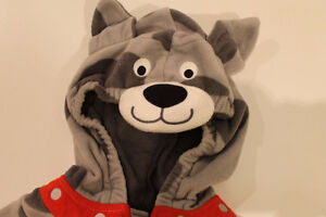 Halloween costume size 18 months. Carters. CUTE DOG. $5