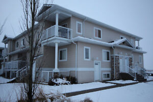 Beautiful 2 Bdrm Condo with New Flooring & Paint Edmonton Edmonton Area image 1