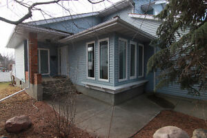2 Storey with WALKOUT Basement in Pineview!