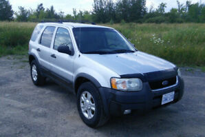 Ford Escape 2004 - Runs great for its age and mileage