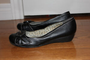 Low wedge shoe size 8 (American Eagle)