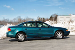 LOW MILEAGE - 2002 Oldsmobile Alero Sedan
