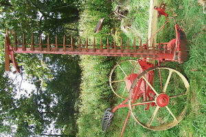 Int'l Harvester No. 9 horse-drawn sickle-bar mower
