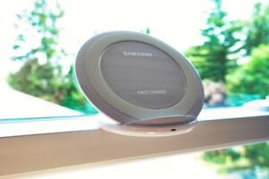 Samsung Qi Fast Wireless Charger Stand (WHITE)