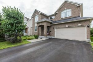 Stittsville, Large 5 bed/3 bath Home For Sale, /w Nice Yard