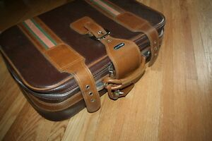 Take flight: good-looking retro suitcase in immaculate condition Kitchener / Waterloo Kitchener Area image 4