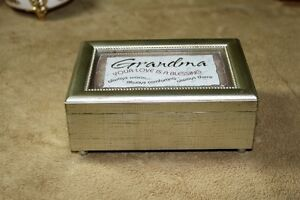 Music Box For Special Grandma or put your own picture in lid Kingston Kingston Area image 2