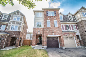 4 Bedroom House For Lease in Brampton - Mount Pleasant Village