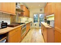 3 bedroom house in Danbury Street, London, N1