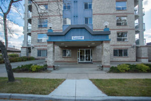 Adult Living 45+ At It's Finest! Secure,Spacious,Gorgeous View!