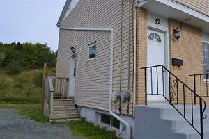 Duplex in lovely sought after Woodlawn neighbourhood