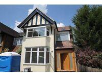 2 bedroom flat in Woodville Road, Golders Green, NW1