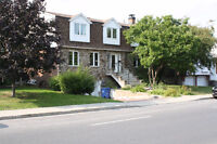 Maison unifamilial /Single family home for rent in Brossard