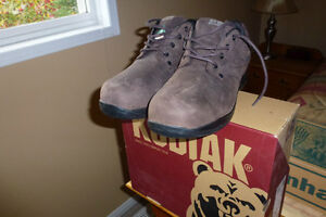 MENS SAFETY SHOES BROWN SIZES 14
