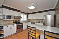 Amazing Renovated Condo TownHome Highway 10 & Queensway!