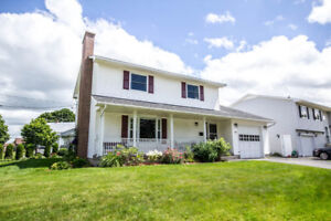 IMMACULATE 2 STOREY WITH 4 BEDROOMS