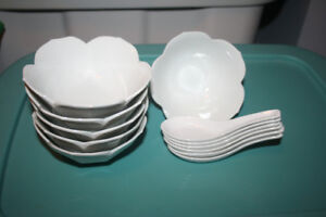 Asian Scalloped edge bowls and spoons (6 sets)