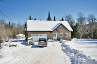 St-Adolphe-d'Howard : 5.88 acres Zonage fermette