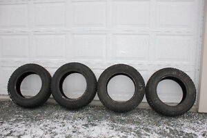 Set of 4 Goodyear Nordic 195/65/15 Winter Studded Tires