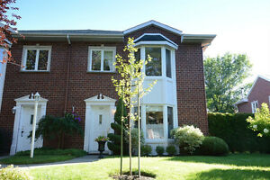 ST-BRUNO-CHARMANT CONDO COTTAGE-GARAGE DOUBLE-WOW