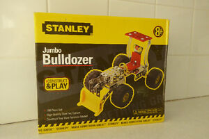TOY - Stanley Construct & Play- Jumbo Bulldozer