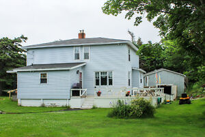 Saltbox home on 1.2 ACRE lot with OCEAN access and view! St. John's Newfoundland image 5