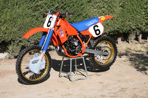 ISO 1985 CR250 CYLINDER, ENGINE OR WHOLE PARTS BIKE!!