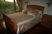 Set de chambre à coucher en bois massif