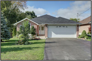 Easy Living! 4 Beds / 3 Baths Brick Bungalow in Brighton