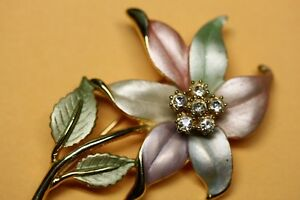 Beautiful Enamel & Rhinestone Pastel Flower Brooch Pin Unsigned Kingston Kingston Area image 2