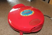 Sante Fe quesadilla maker in great condition