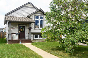 OPEN HOUSE!!! SEPTEMBER 10th!!! Beautiful Home in Timberlea