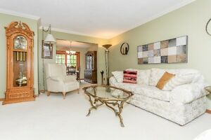 Great Cambridge Home with Quick Access To the 401 Cambridge Kitchener Area image 3