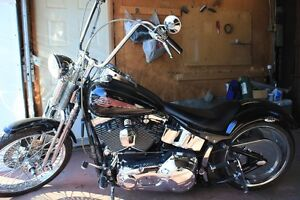 Harley Softail Springer FXSTS modifiée full chrome