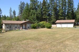 4 Bedroom country home on acreage