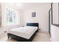 4 bedroom flat in Iron Mill Road, London, SW1