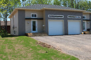 1 Story Elegant Modern Semi with Garage / Heat Pump!