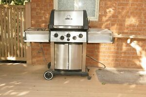 Broil King Natural Gas BBQ $300