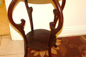 Very good condition occasional table Kingston Kingston Area image 3