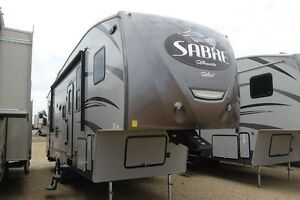 SAVE BIG!!  2015 SABRE SILHOUETTE 323RBSS
