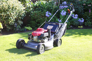 Honda HRC216 Commercial Lawnmower