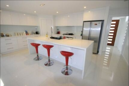 URGENT master room + ensuite NEW furnished share house COUPLES ok Harrison Gungahlin Area Preview