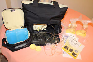 Medela Double Electric breast pump in Carrying purse Kitchener / Waterloo Kitchener Area image 1